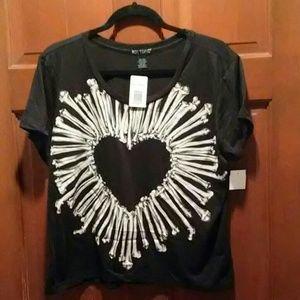 Hot Topic tee shirt